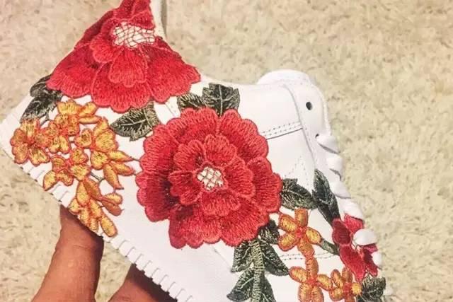 鞋控|这双在 Instagram 上红翻了的 Nike Air Force 1 ,竟然是一双 D.I.Y. 鞋款?