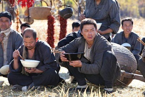 程冠希老农民_影食记   一说《白鹿原》,我就想端个大碗哧溜哧溜的