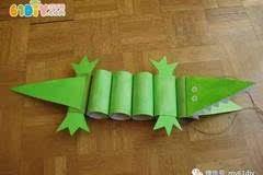 儿童手工制作卷纸筒鳄鱼