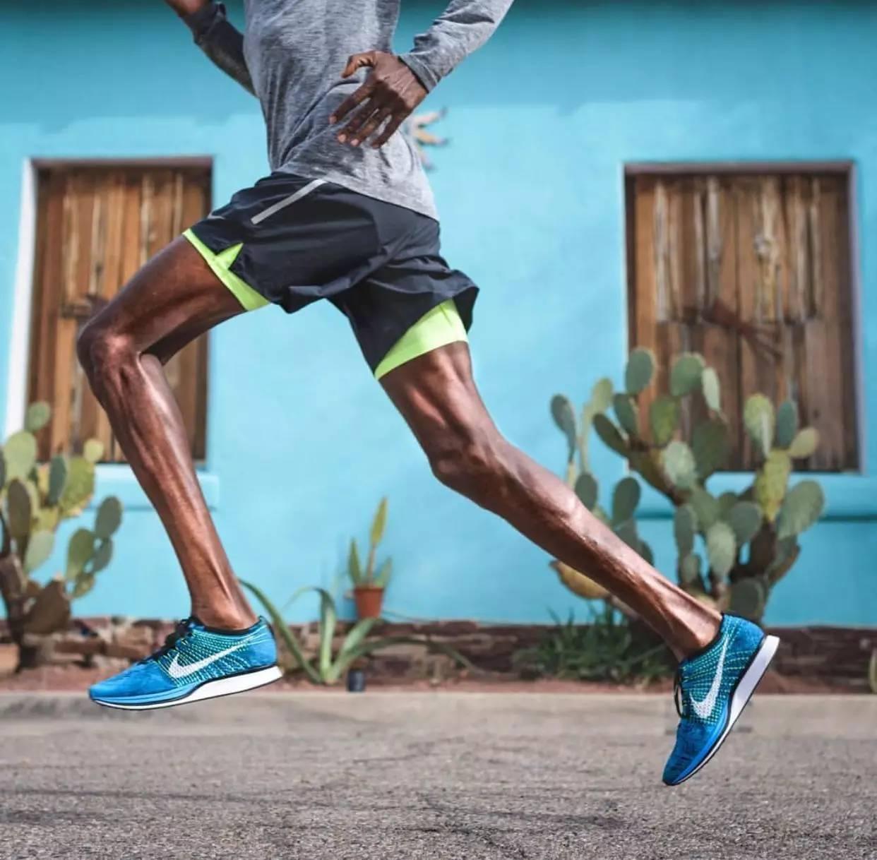 【组图】【精选】跑后放松专业版,做拉伸时膝