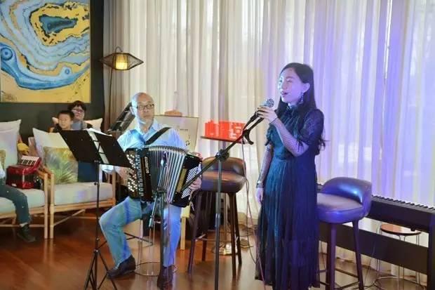 歌曲《山楂树》(林曼),手风琴伴奏:李竹松图片