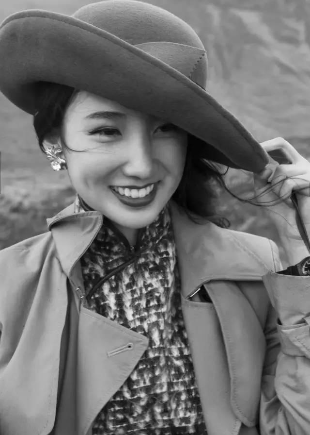 毒舌金星都对这个95后赞不绝口 穿了365天旗袍就火遍全国,又在 中国式相亲 里收获最好的爱情,因为她始终清楚要什么