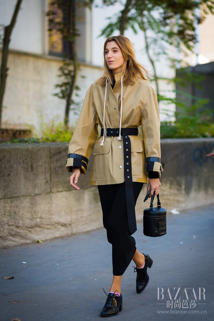 工装夹克外套,以其方正的大口袋带来强有力的设计感