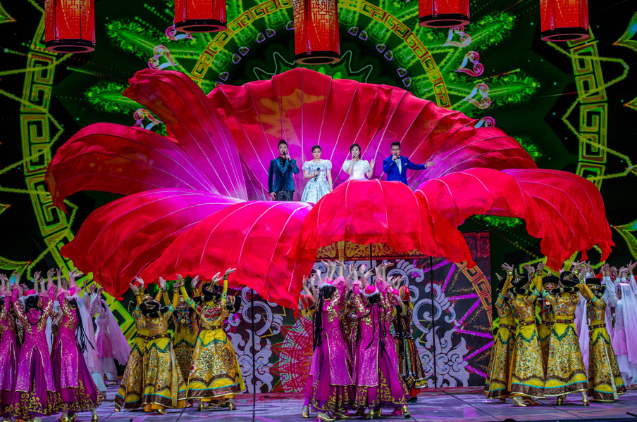 不忘初心 歌手王莉 汤非再次登上央视春晚舞台