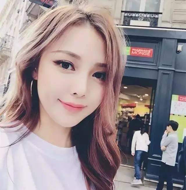 跟韩国化妆大神pony学习化个美妆吧?
