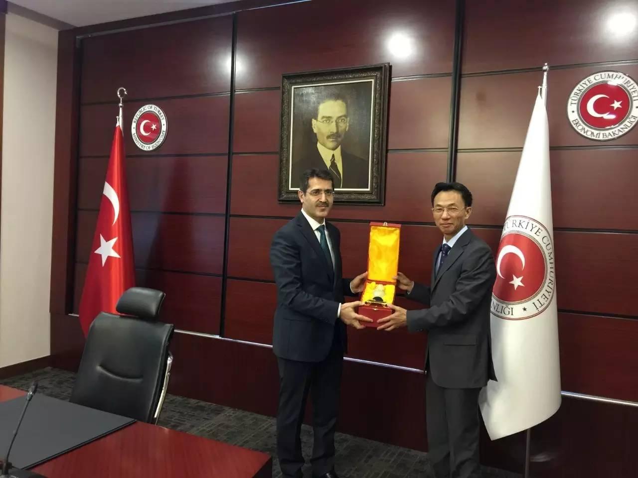 郁红阳大使会见土耳其经济部次长