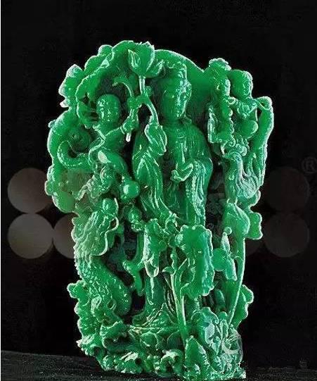 童子观音翡翠雕件2012年曾拍出4.7460亿人民币图片