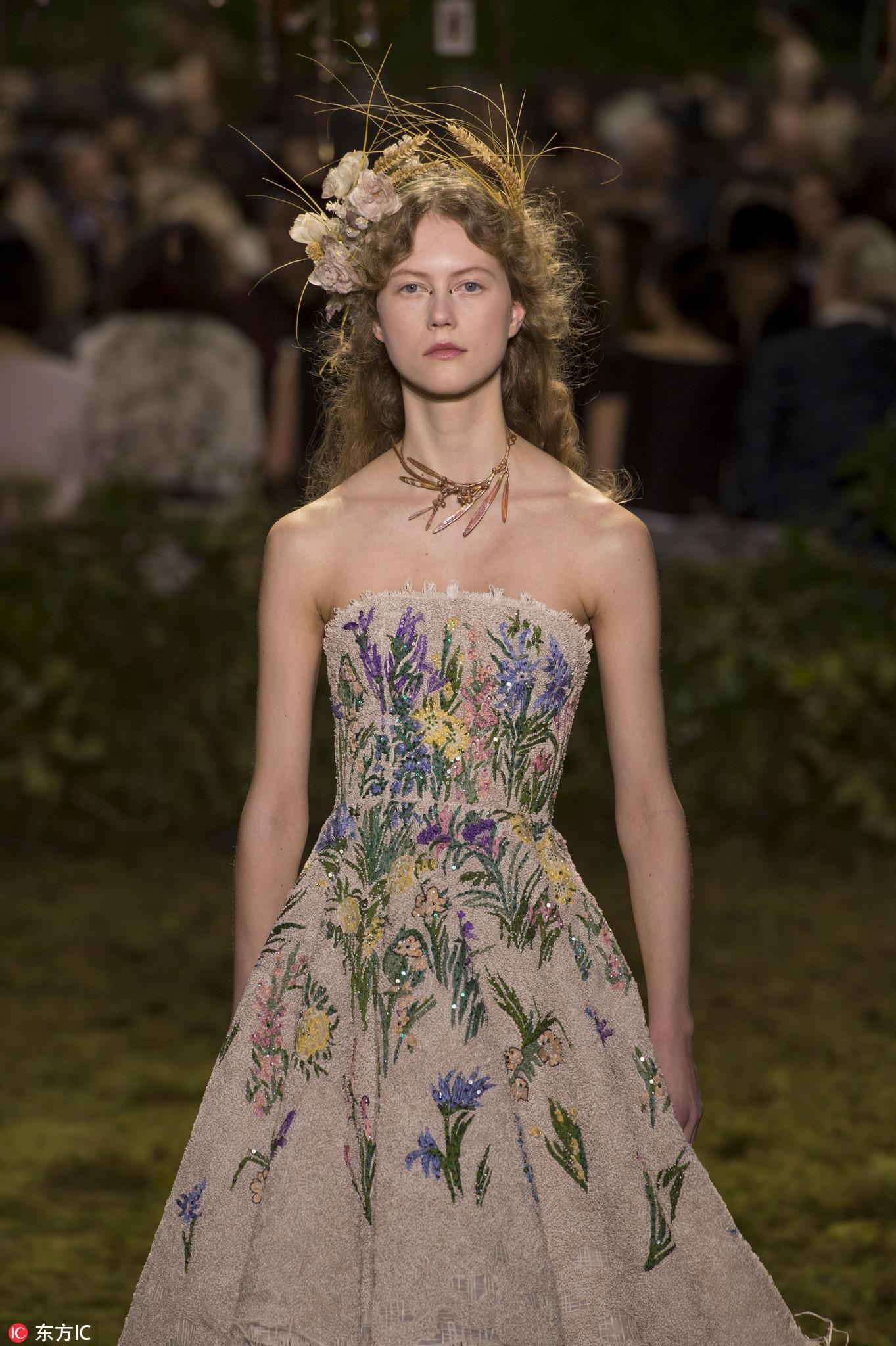 扮女神不仅要有仙女裙 还得有华丽的头饰图片