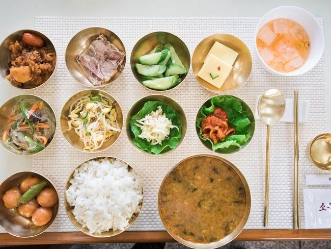 实拍朝鲜游客的三餐饮食,是否让你意想不到!