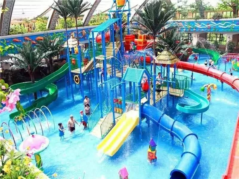 梦见很多人在水上乐园玩