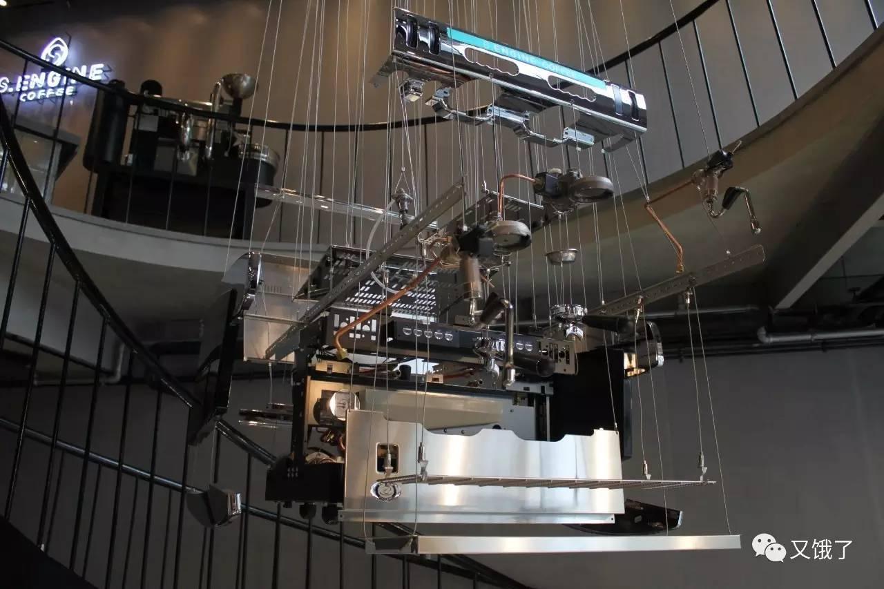 了恒压萃取的理论,在传统意式浓缩咖啡机的冲泡头上增加了手动调节阀图片