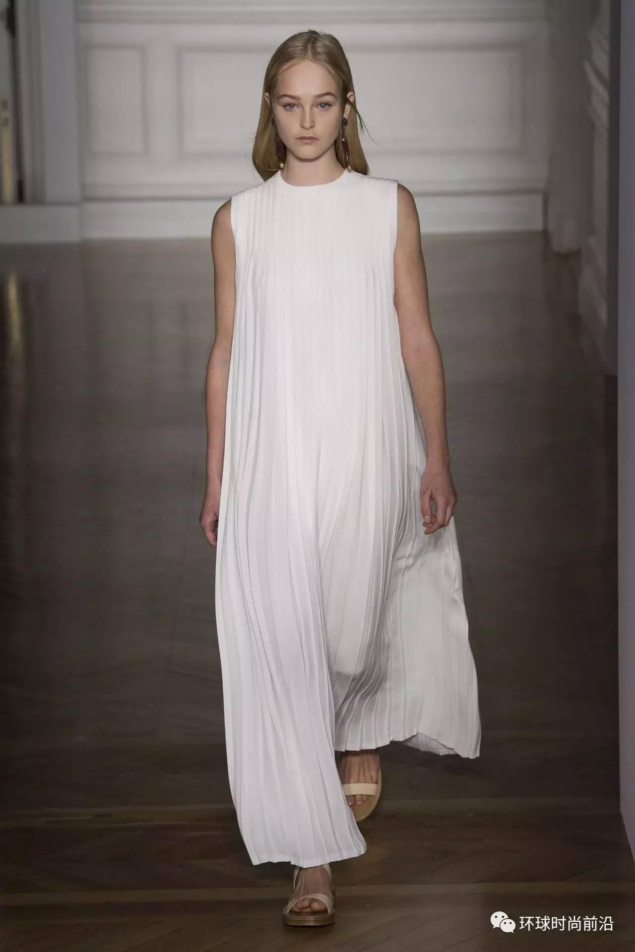 Valentino 2017春夏高定:古典希腊的当代投射 - 小狗 - 窝