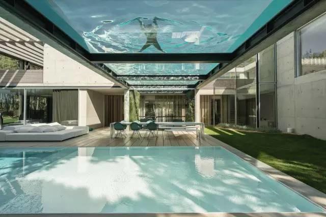 空中泳池_东方奥翰:把屋顶设计成空中泳池,2017年高手!