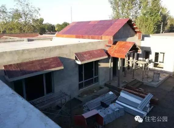 砖混结构,做法基本是按照抗震设计的做法来