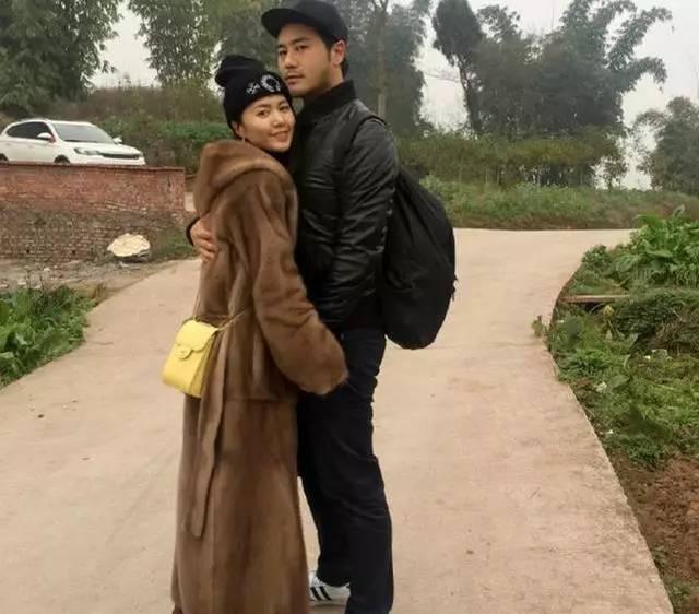 谭维维与未婚夫回村过年全素颜出镜