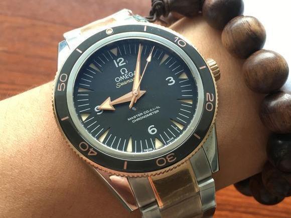 欧米茄男士新款腕表,精致优雅图片