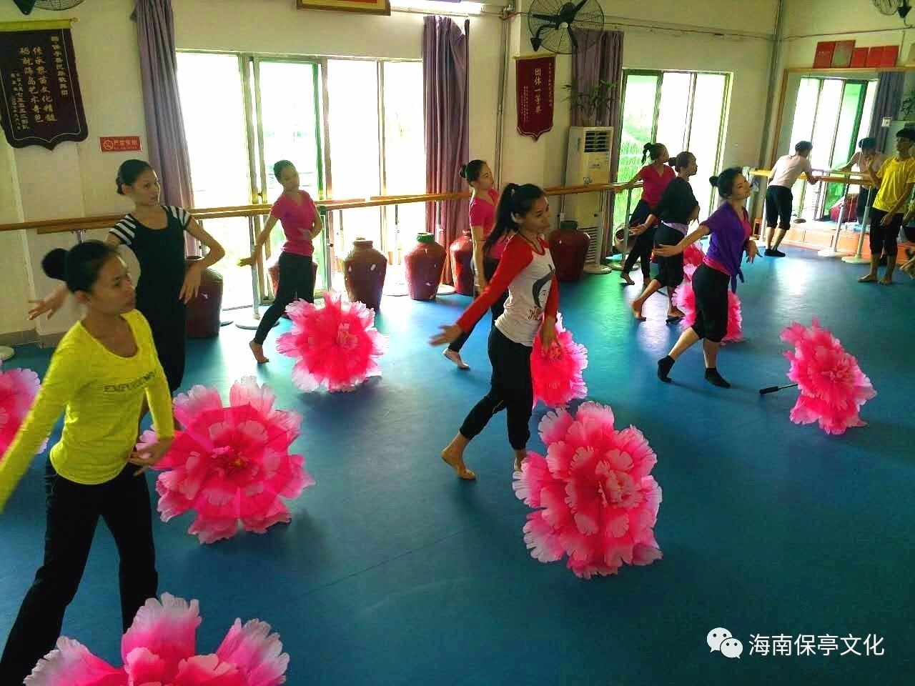 歌伴舞《美丽中国梦》