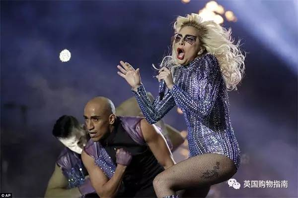 Lady GaGa空降超级碗 代言蒂凡尼广告首播