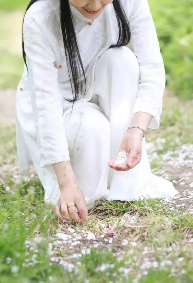 她走遍数十个国家,23岁隐居终南山,把日子过成了诗