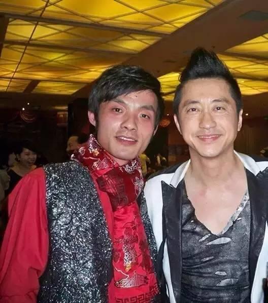唱成 南京 的流浪歌手小鱼火了图片