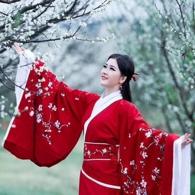 汉服文化的传承与发展的意义_传承弘扬中华传统美德意义_汉服复兴运动的意义