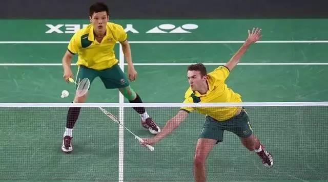 又是套路:羽毛球的各种接发球技巧