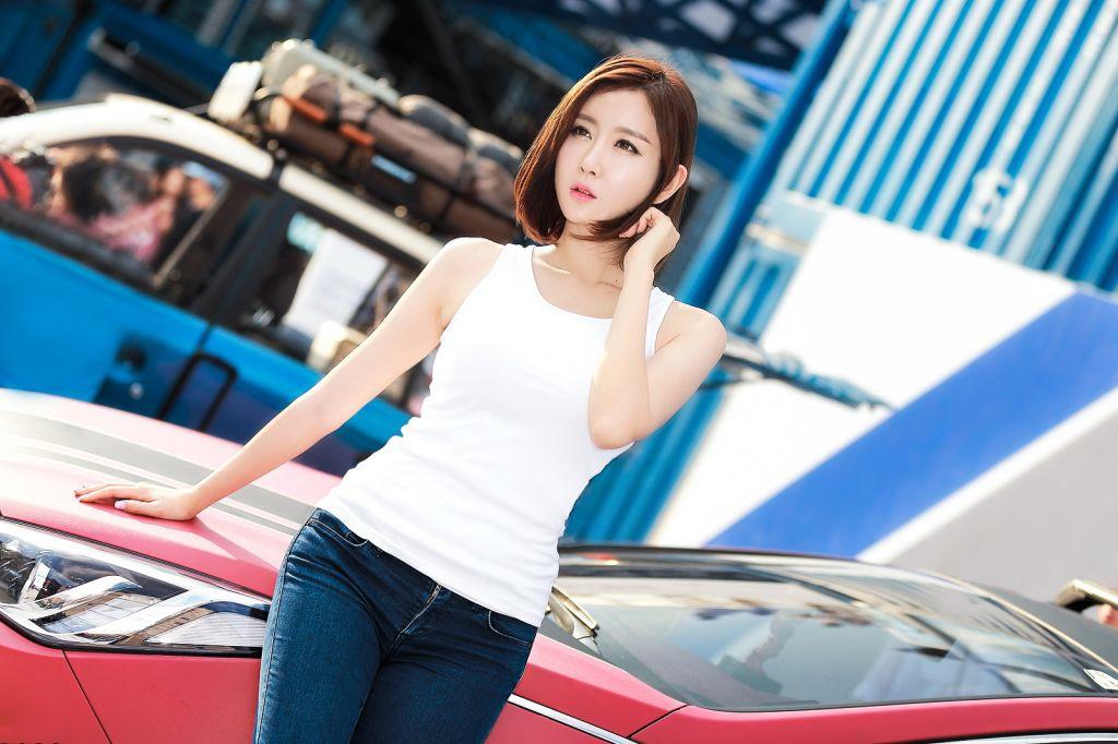 时尚短发,秀出魅力风采|韩国赛车女郎图片