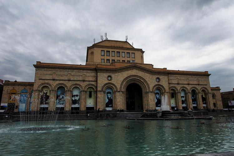 亚美尼亚首都埃里温:美景和美女,都不缺(亚美尼亚连载2) - 老鼠皇帝首席村妇 - 心底有路,大爱无疆