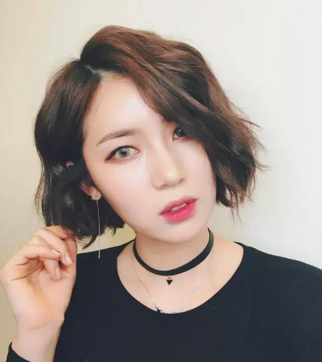 中老年女士短发烫发发型图片 精选2016流行中... _香香美发手机版