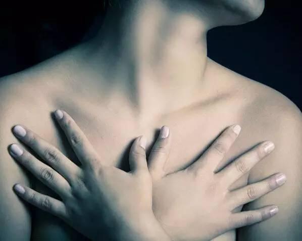 8.通过手臂疏通六条经络   有效给胸部做深层的吸放运动,能有效疏