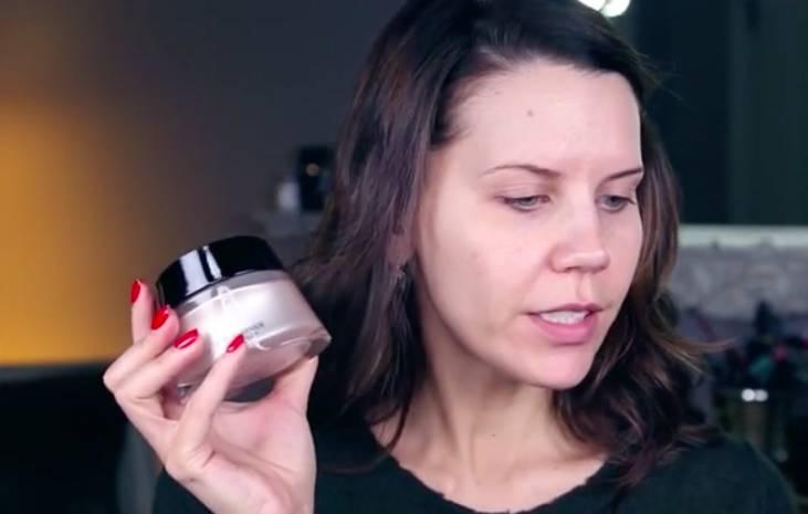 为什么我不化妆,,飞燕外传txt下载皮肤也能看起来比你好10倍?