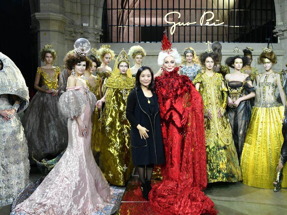 当郭培遇见女王范的卡门演绎巴黎高级定制的传说