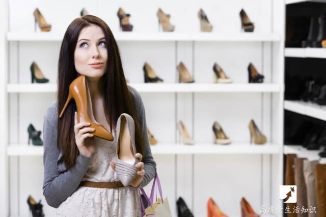 鞋子太小穿不下?用这招让鞋子立马变合脚!