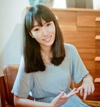 减龄卖萌齐刘海中长发发型图片
