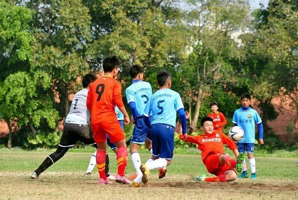 全国青少年男子足球U14锦标赛在梧开赛