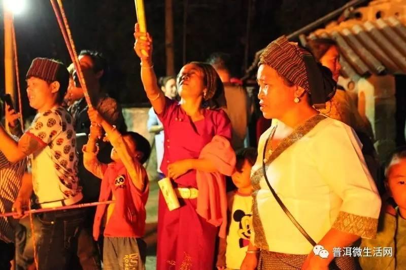欧美时尚杂���dy��_上允傣崩人赕火狂欢节:水的民族火的情