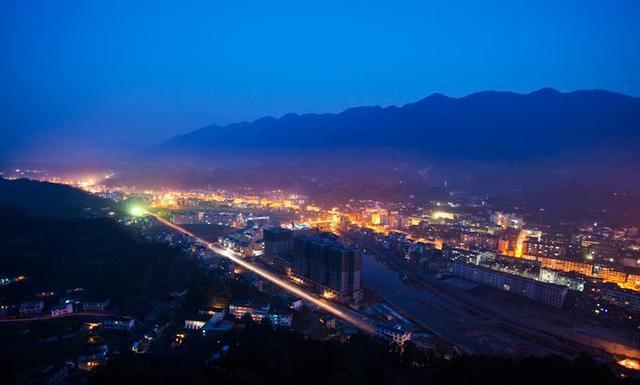 桑植乡镇地�_桑植县是贺龙元帅的故乡,红二方面军长征出发地,拥有中国首批国家级