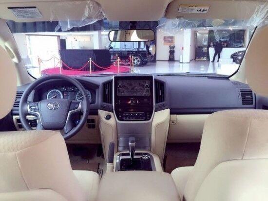 17款丰田兰德酷路泽4000中东版陆巡性能图片港口现车 -天津圣博汽车高清图片