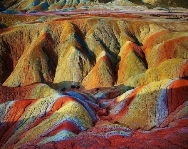 一座跌落凡间的彩虹山,像燃烧的火海,留存600万年的奇迹 - 九头鸟 - ...欢迎四方博客...