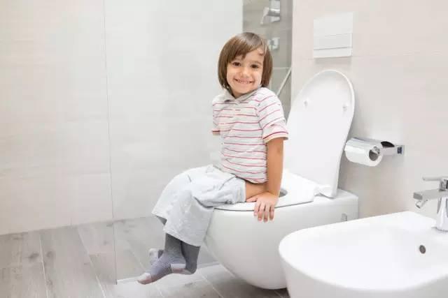 三岁宝宝尿床图片