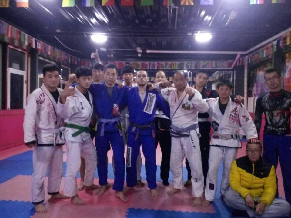 中日韩自由搏击,70公斤级自由搏击排名,黑市女视频米闪图片