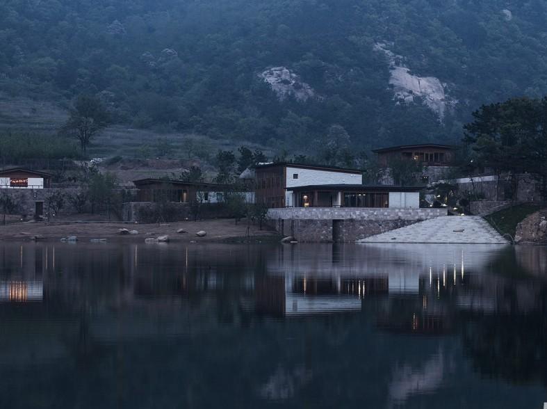 融入在山居酒店中:石岛威海草木优势设计做ui设计的山石图片