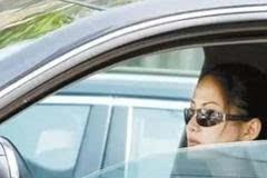 开车时只开一侧车窗户,好处岂止是省油!