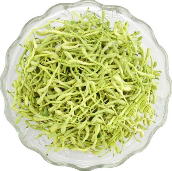 菊花茶泡水喝,菊花一直是清肝明目最好的花茶,菊花中含有丰富的