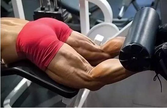 你不得不练的大腿后部肌肉-腘绳肌锻炼方法