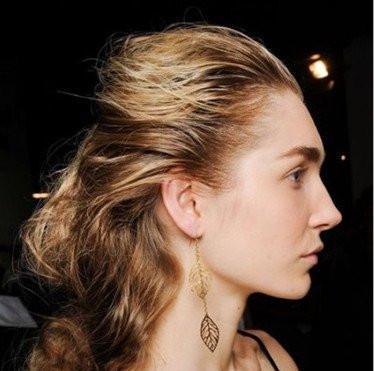 别梳马尾了,发型师告诉你17年会爆红的4款发型