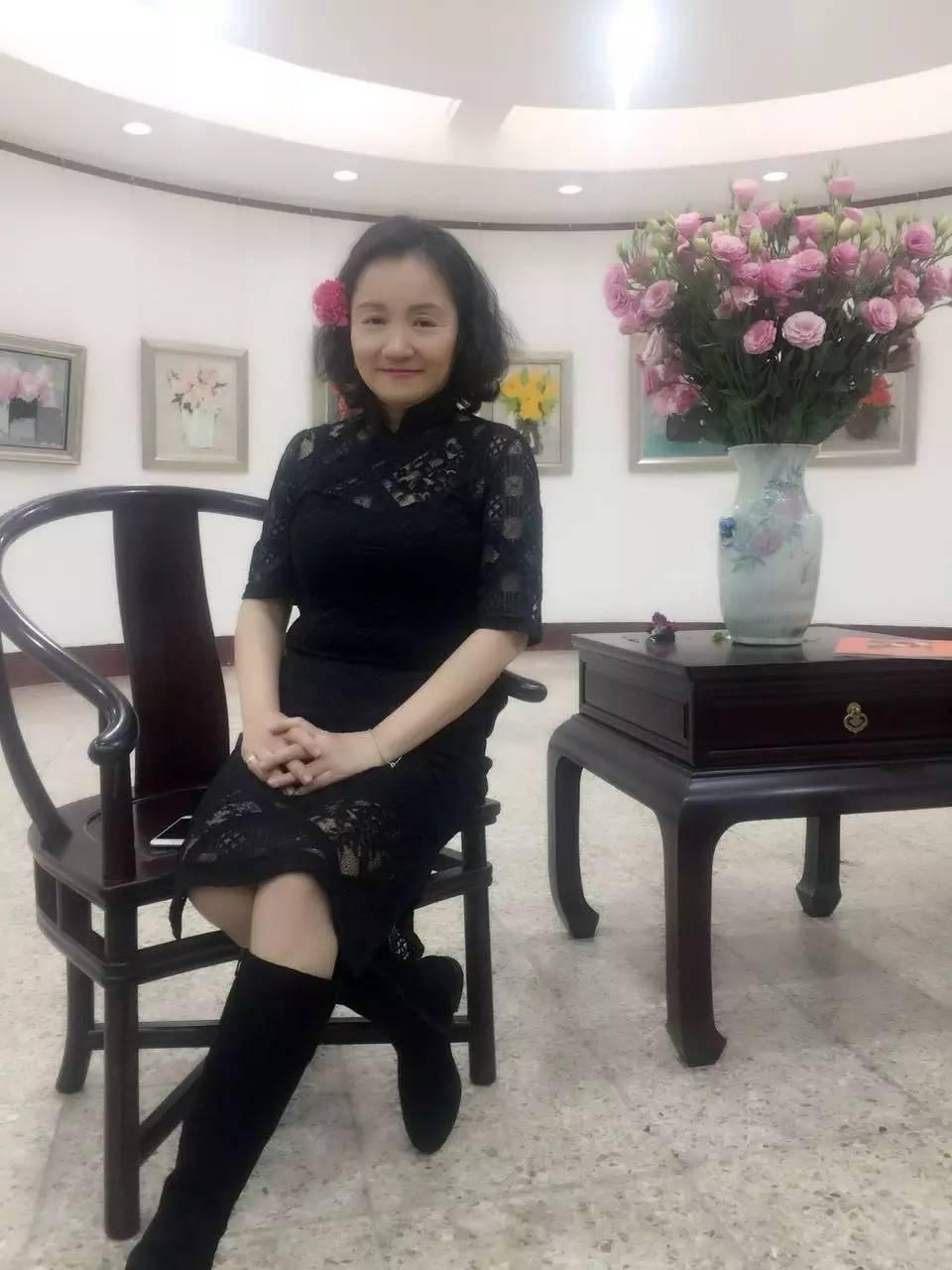 花 旗袍 音乐 女画家牵手女设计师打造 花样年华图片