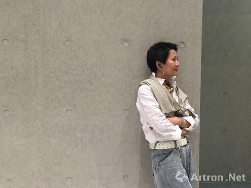 现代抽象画家陈胜祥