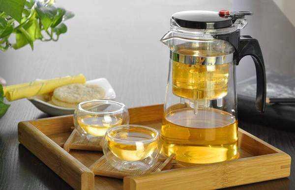如何使用飘逸杯冲泡普洱茶