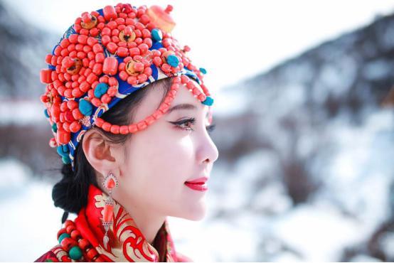0后藏族美女把东北雪乡 搬 到了四川